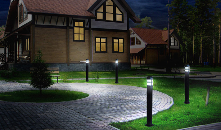 Газонное освещение дома