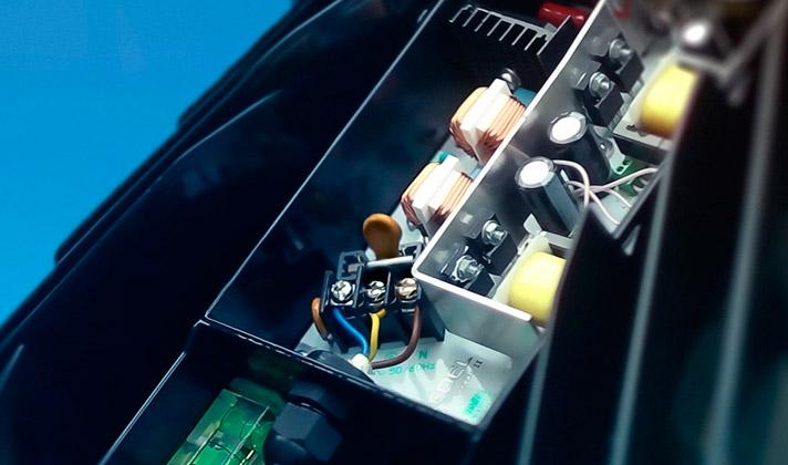 драйвер, уличный светодиодный светильник, Super Street, Ledel, защищён от перенапряжений, сетевых гармоник напряжения и тока, оснащён терморегулятором мощности