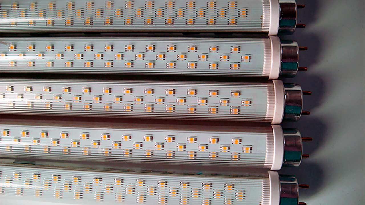 Светодиодные лампы Т8 подходят для прямой замены люминесцентных ламп. Хотите себе хорошие лампы? Звоните нам!