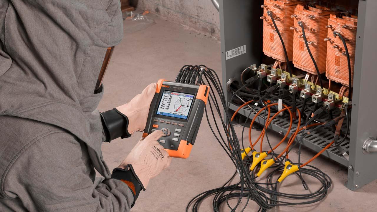 Мы измеряем качество электроэнергии на любых объектах. Хотите измерим у вас? Звоните нам!