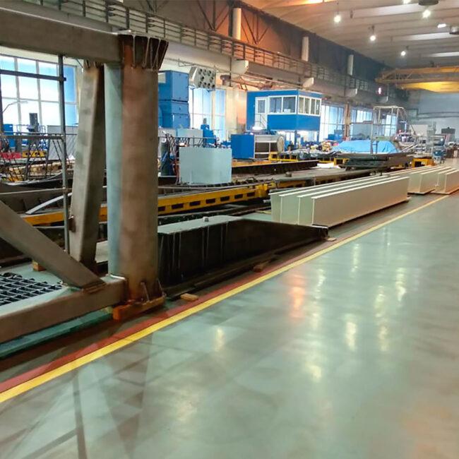 Светодиодные светильники для цеха LEDEL L-industry работают без сбоев в СТП. Хотите себе такие же светильники? Звоните нам!