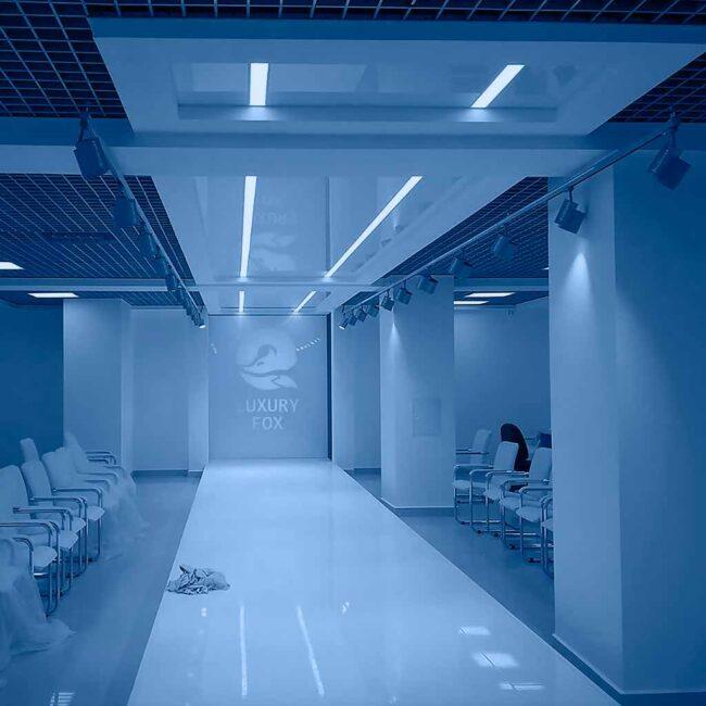 Витебский меховый комбинат заказал светодиодные светильники для шоу-рума ledz e-Track. Премиальный свет. Гарантия 5 лет. Немецкие компоненты. Хотите такое освещение? Звоните нам!