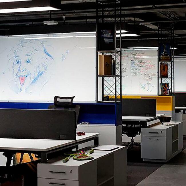 Wargaming для нового офиса в БЦ Футурис закупил светодиодные светильники для openspace ledz e-Admin. Премиальный мягкий свет. Идеальные светильники для программистов. Хотите такие себе? Звоните нам!