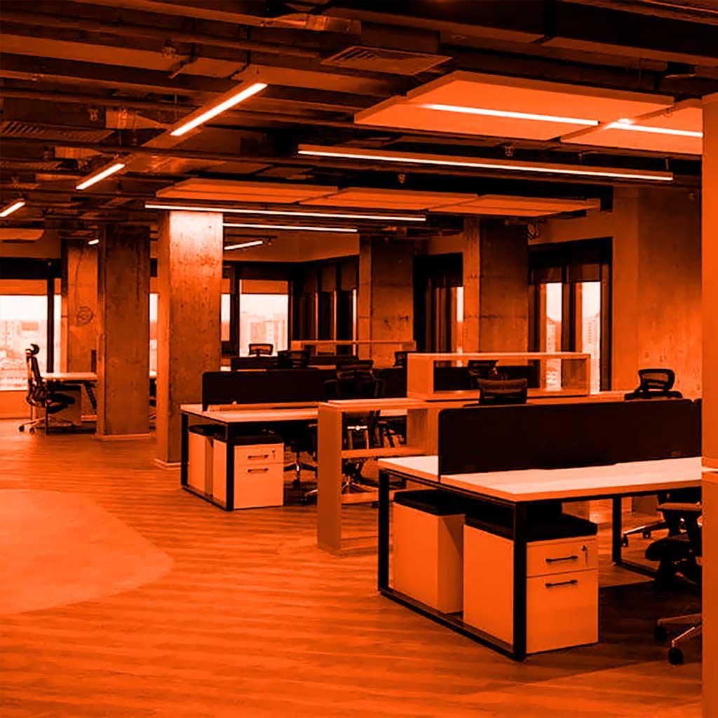 Компания Гейм-Стрим, создатель игры World of Tanks, заказали освещение своего офиса в бизнес-центре Футурис в группе компаний Элреди. Проект реализован на светодиодных светильниках ledz e-Admin белорусского производства. Wargaming остался доволен результатом, а мы надеемся помочь в организации освещения их первого дев-офиса. Вам понравился результат? Звоните нам!
